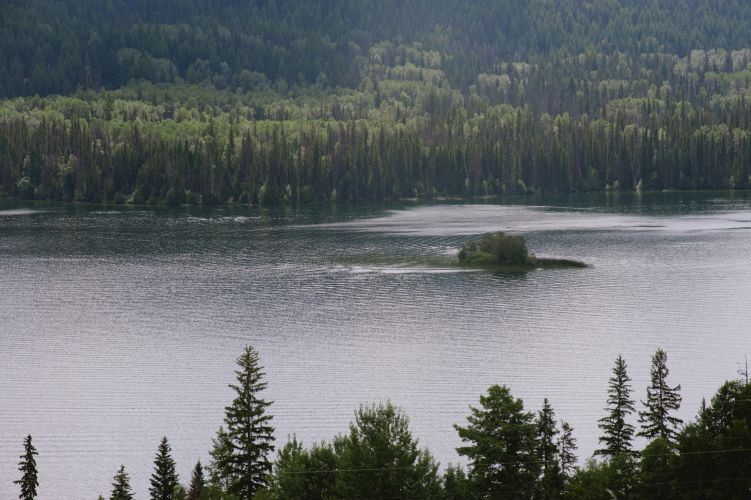 Lac des Roches off Highway 24